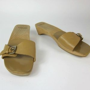HERMES: Beige, Leather & Logo, Flat Sandals